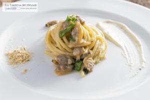 spaghetto a vongole la taverna del mozzo